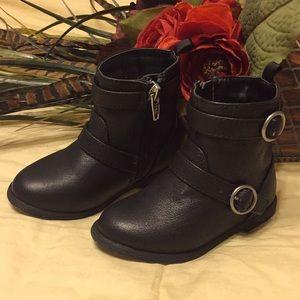 Crazy 8 boots